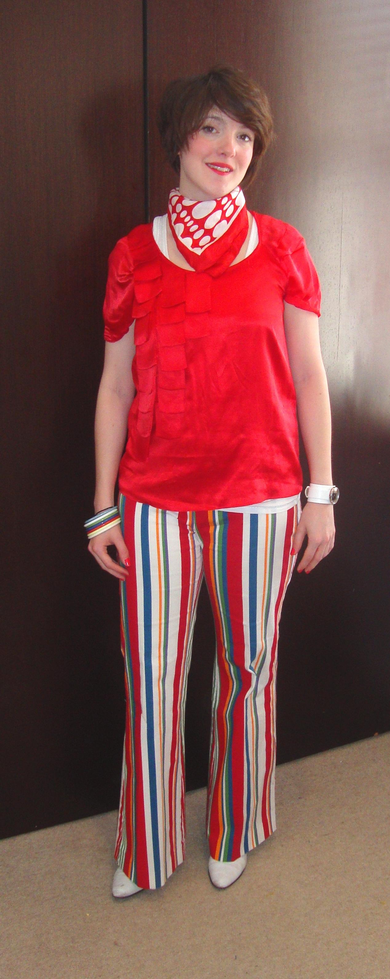what katie wore to simeon's art thing